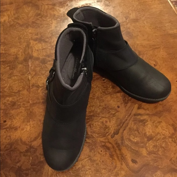 9ac82aafa58b Eddie Bauer Shoes - Women s Eddie Bauer Black Leather Boots Size 9 1 2